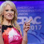 Asesora de Trump sugiere que un microondas podría haber espiado al presidente de EE.UU.